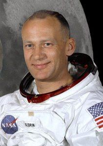 422px-Buzz_Aldrin_(Apollo_11)