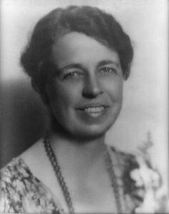 474px-Eleanor_Roosevelt_portrait_1933