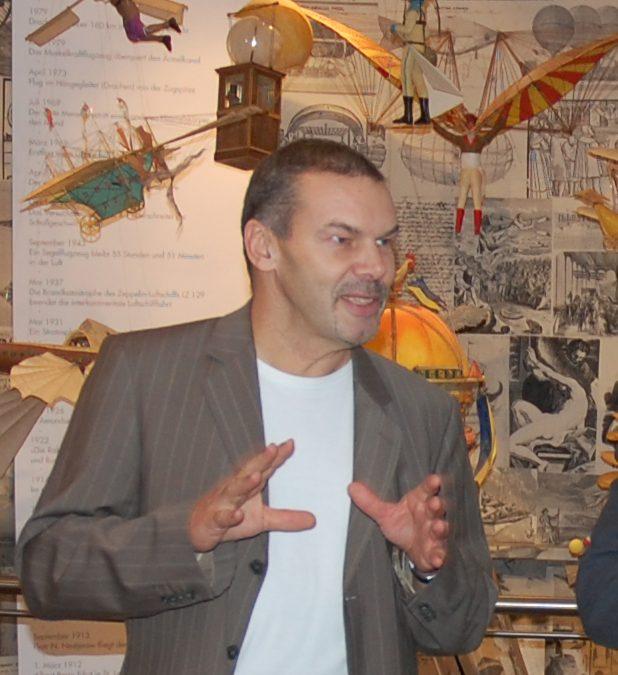 Dr. Bernd Lukasch
